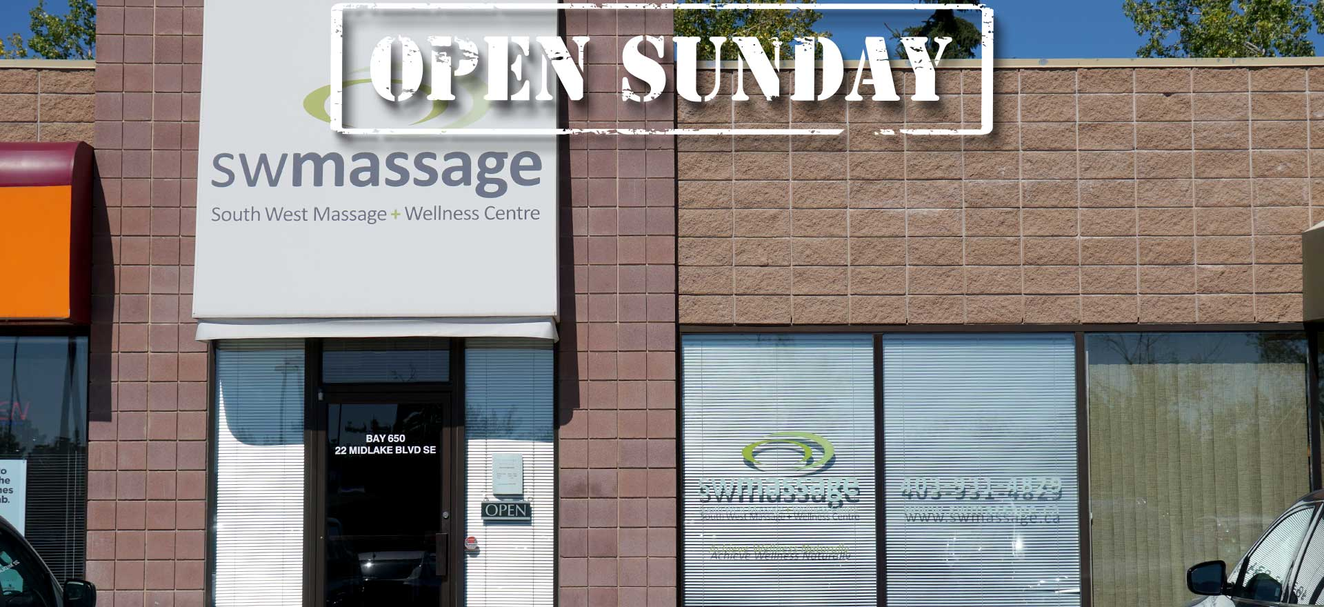 sw-massage-exterior-banner-open-sundays